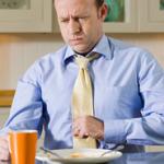 Причины отрыжки воздухом после еды и ее лечение