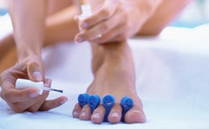 Список противогрибковых лаков для ногтей